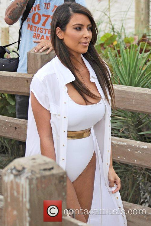 Kim Kardashian, Kourtney and Kim Take Miami 3