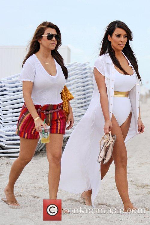 Kim Kardashian, Kourtney Kardashian and Kim Take Miami 6