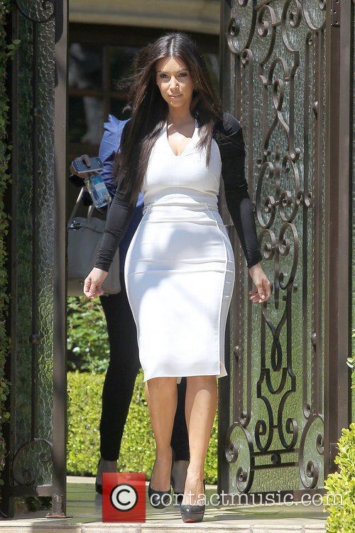 kim kardashian leaving home for an appointment 5814109