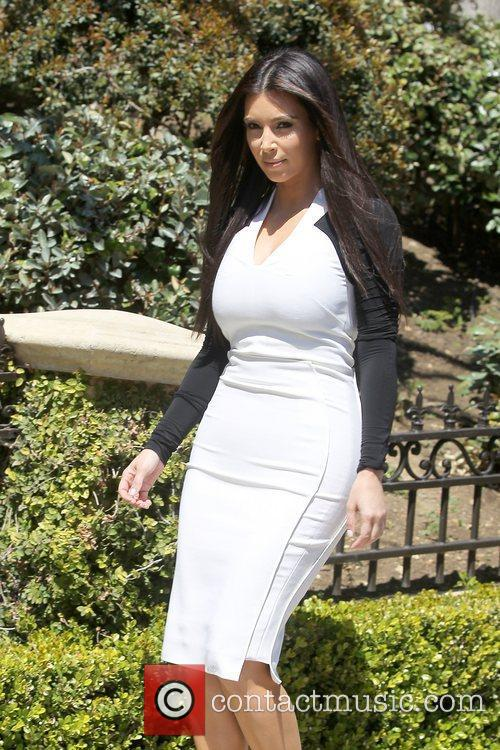 kim kardashian leaving home for an appointment 5814120