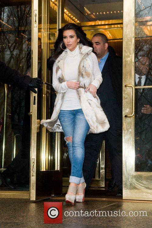 Kim Kardashian and Manhattan Hotel 6