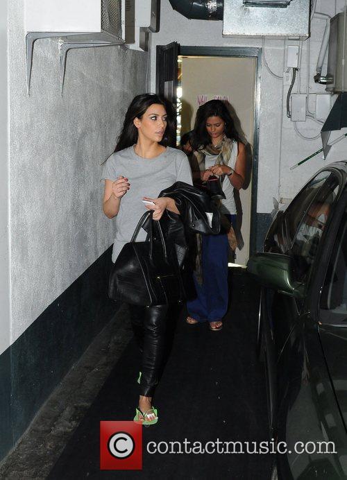 kim kardashian exits the nails salon after 5870358