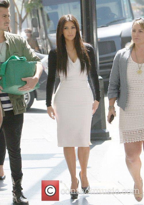 kim kardashian arriving at an appointment in 5814349