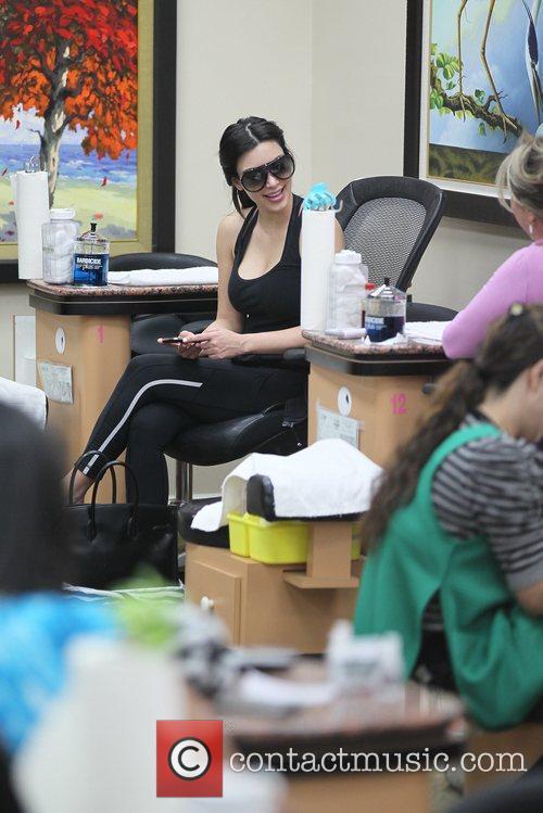 kim kardashian getting a manicure and pedicure 5795832