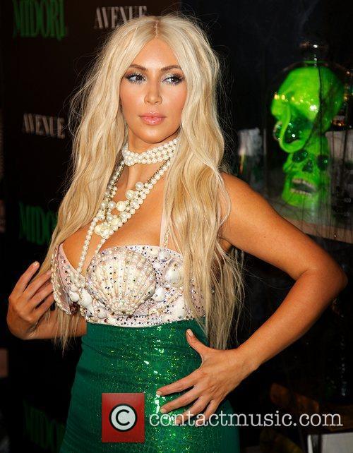 kim kardashian dressed as a mermaid attends 5943148