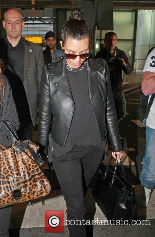 kim kardashian arriving at heathrow airport london 3884183