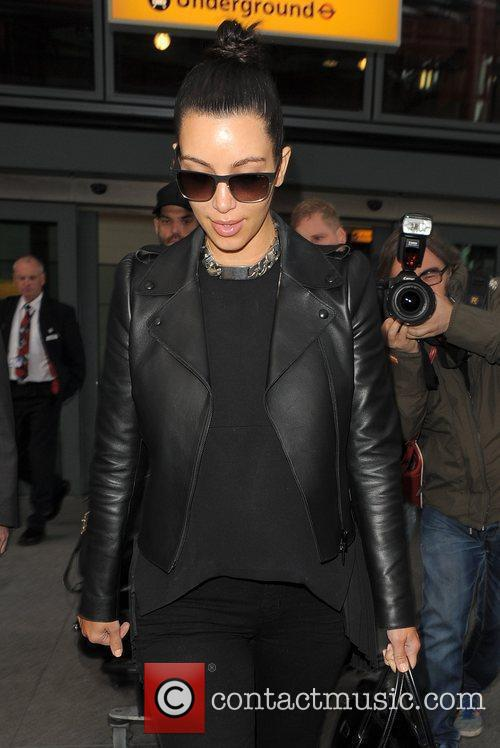 kim kardashian arriving at heathrow airport ahead 3884236