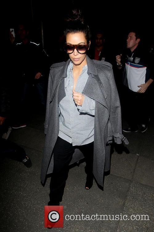 kim kardashian pregnant kim kardashian arrives at 20055663