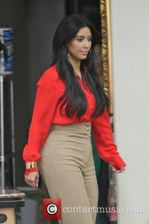 kim kardashian has a manicure followed by 3680735