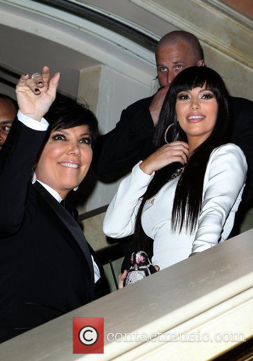 Kris Jenner and Kim Kardashian 4