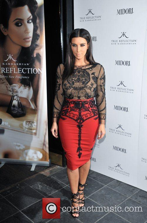 kim kardashian promotes her fragrance true reflection 3890080