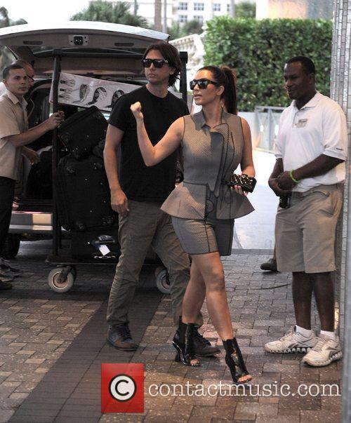 kim kardashian shopping in miami beach with 4097157