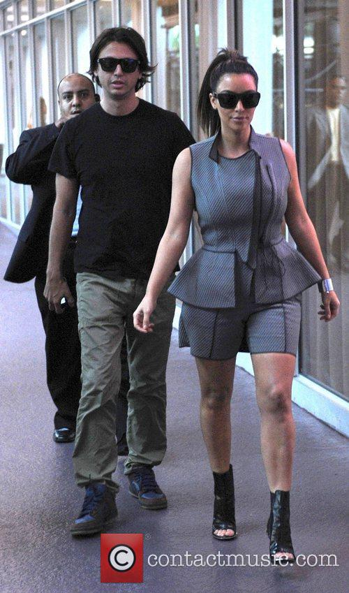 kim kardashian shopping in miami beach with 4097166