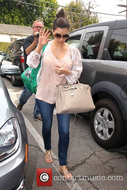 Arrives at a spa in Beverly Hills