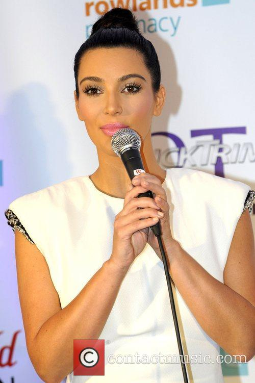 Kim Kardashian and Westfield Shopping Centre 5