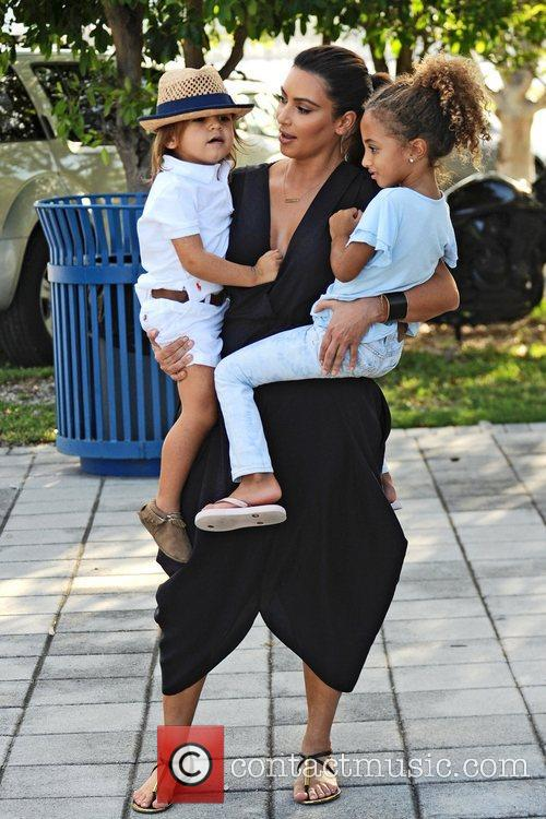 Kim Kardashian, Mason Disick and Sophia Pippen 1