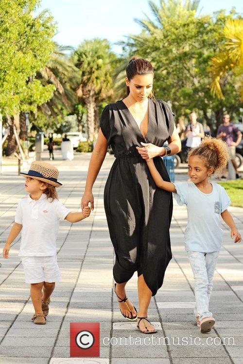 Kim Kardashian, Mason Disick and Sophia Pippen 7