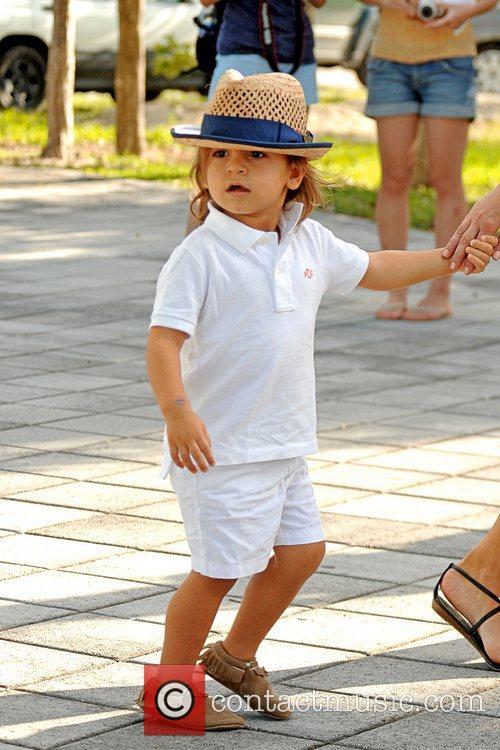 Kim and Kourtney Kardashian take Sophia Pippen, Mason...