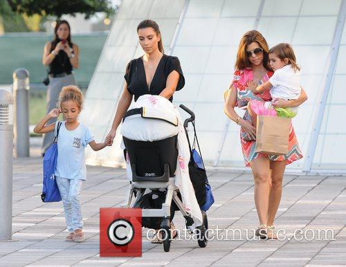 Kim, Kourtney Kardashian, Sophia Pippen, Mason, Penelope Disick and Children's Museum 1