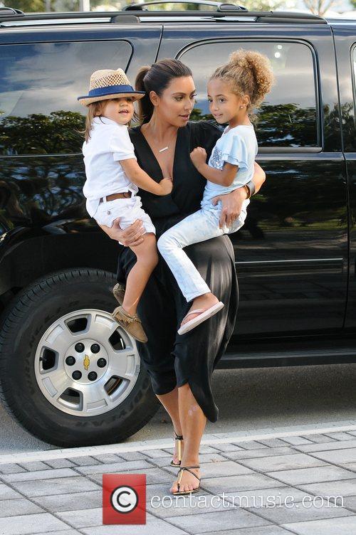 Kim Kardashian, Sophia Pippen and Mason Disick 9