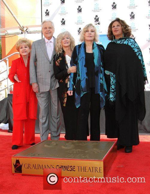 Debbie Reynolds, Connie Stevens, Kim Novak, Lainie Kazan and Grauman's Chinese Theatre 3