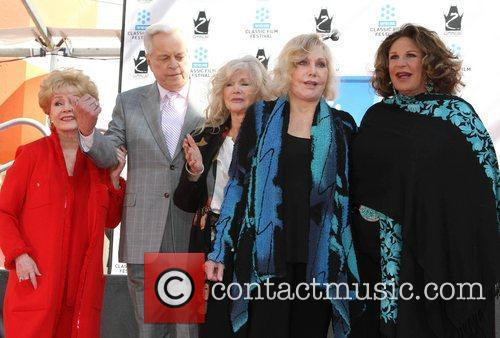 Debbie Reynolds, Connie Stevens, Kim Novak, Lainie Kazan and Grauman's Chinese Theatre 4