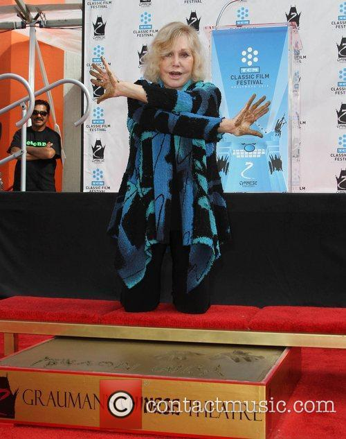 Kim Novak and Grauman's Chinese Theatre 5