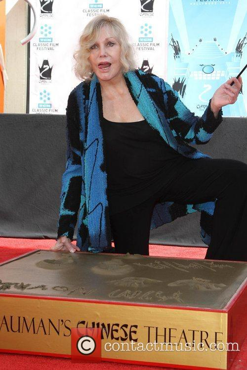Kim Novak and Grauman's Chinese Theatre 9