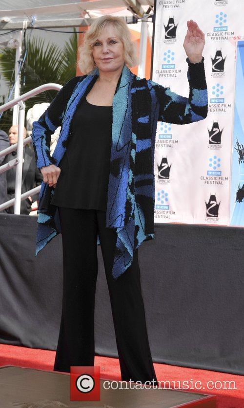 Kim Novak and Grauman's Chinese Theatre 9