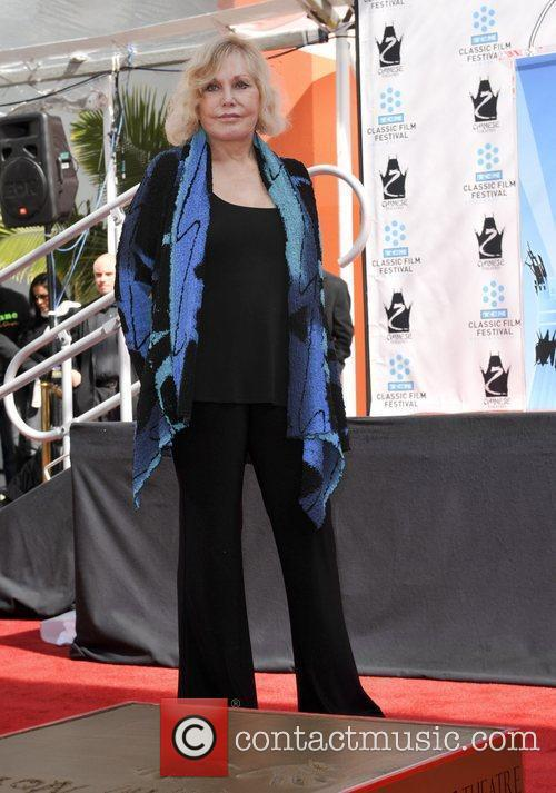 Kim Novak and Grauman's Chinese Theatre 20