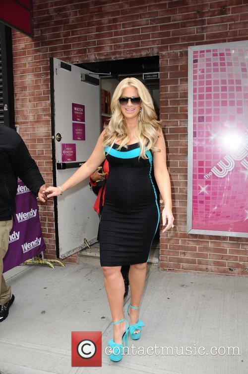 "Kim Zolciak Hospitalised After Suffering ""Mini Stroke"""