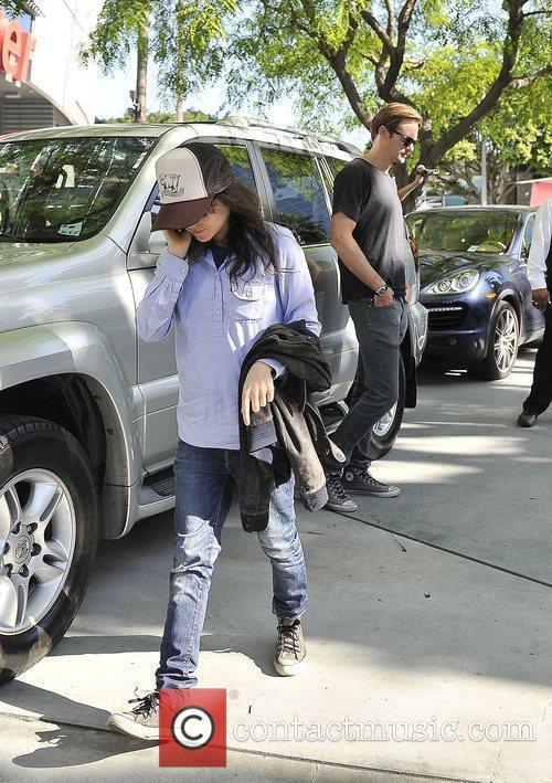 Alexander Skarsgard and Ellen Page 4