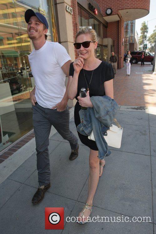 Kirsten Dunst and Garrett Hedlund 2