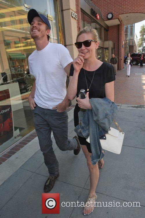 Kirsten Dunst and Garrett Hedlund 3