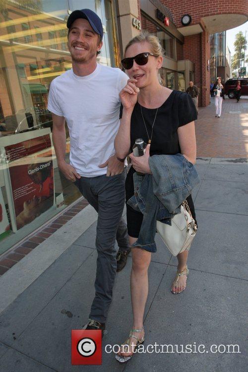 Kirsten Dunst and Garrett Hedlund 4