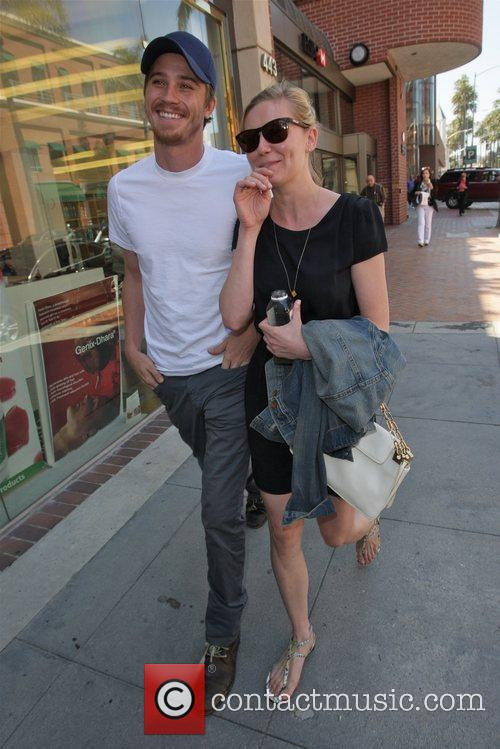 Kirsten Dunst and Garrett Hedlund 5