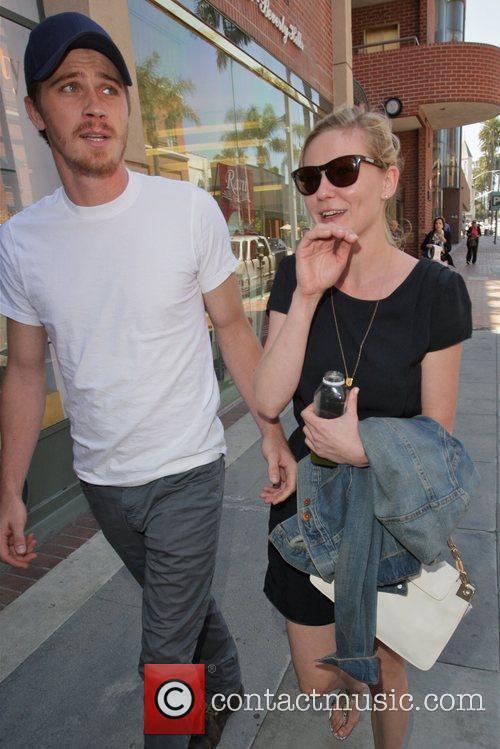 Kirsten Dunst and Garrett Hedlund 7