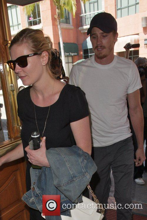 kirsten dunst and boyfriend garrett hedlund seen 5841730