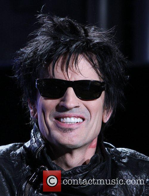 tommy lee motley crue and kiss announce 5813175