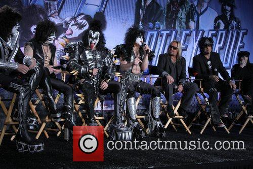 Gene Simmons, Nikki Sixx, Paul Stanley and Vince Neil 11