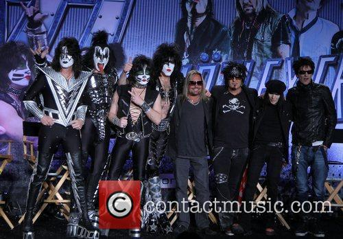 Gene Simmons, Nikki Sixx, Paul Stanley, Tommy Lee and Vince Neil 7