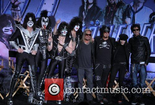 Gene Simmons, Nikki Sixx, Paul Stanley, Tommy Lee and Vince Neil 8