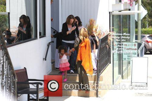 Heidi Klum picks up her children, Leni Samuel,...