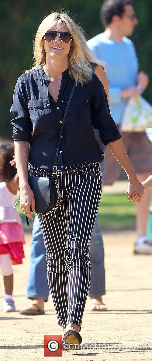 heidi klum watches her sons soccer game 5932524