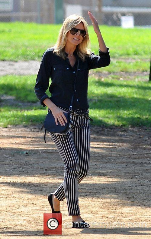 heidi klum watches her sons soccer game 4124774
