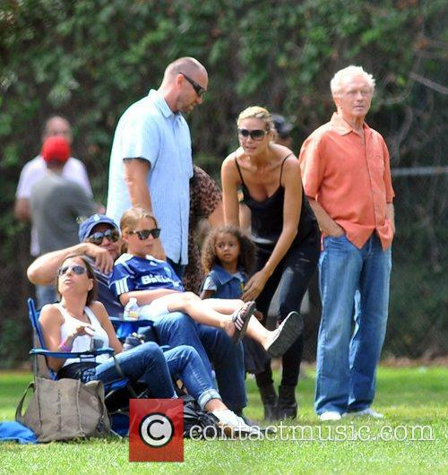 Martin Kristen, Heidi Klum and Lou Sulola Samuel 6