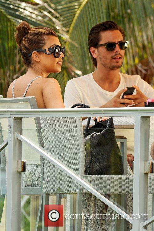 Kourtney Kardashian and Scott Disick seen having lunch...