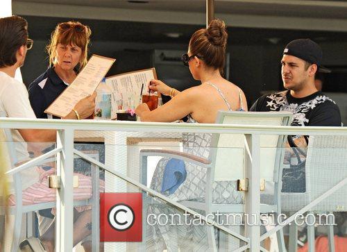 Kourtney Kardashian, Scott Disick and Rob Kardashian 4