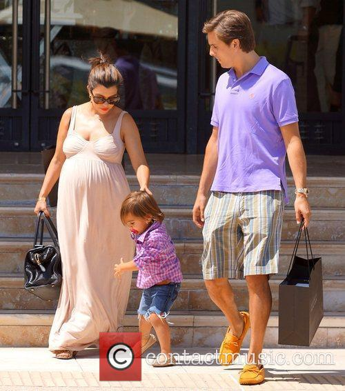 Kourtney Kardashian, Mason and Scott Disick 3