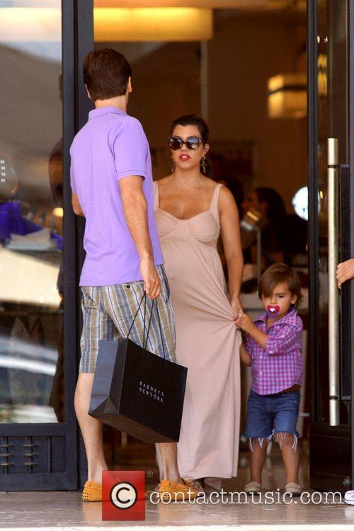 Scott Disick, Kourtney Kardashian and Mason 1